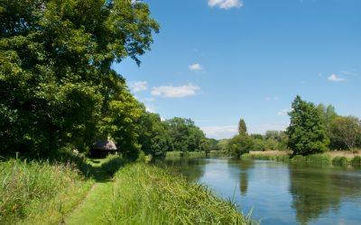 Zašto rijeka teče