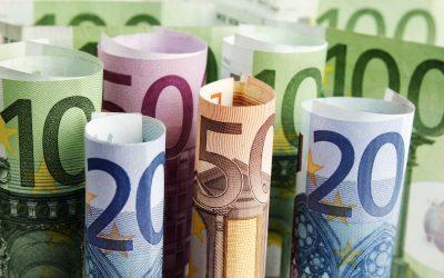 Prosjećna plaća u Češkoj